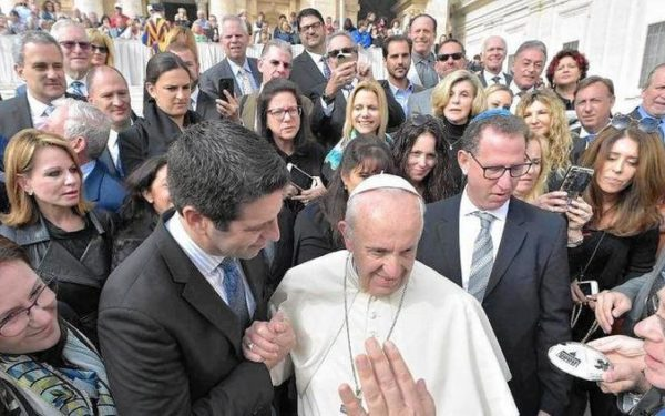 Synagogue in North Miami Beach meets with Pope Francis